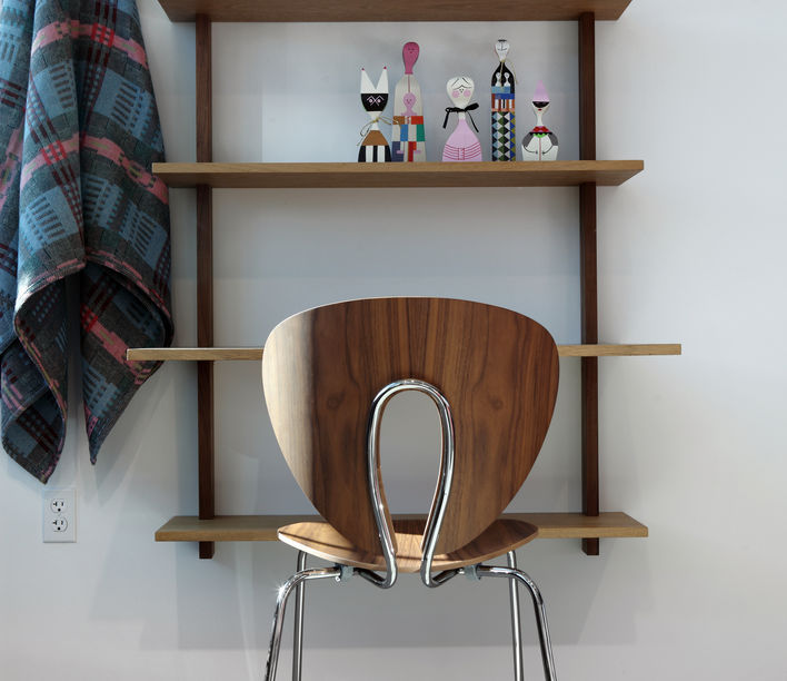 Globus Timber Chair 2