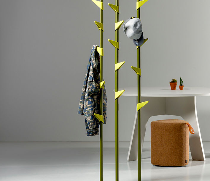bamboo_steel_case_coat_stand_3.jpg