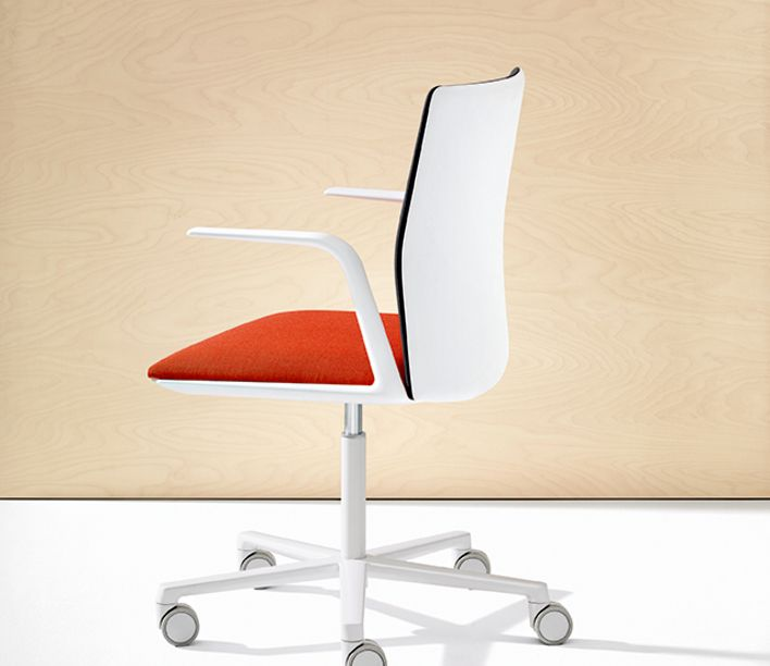 Kinesit Synchro Chair by Arper
