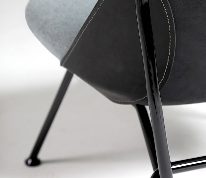 strain_easy_chair_detail_3.jpg