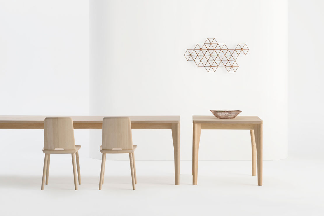 Fold Table by Sipa