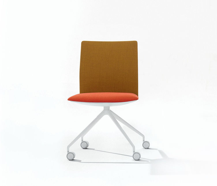 Kinesit 4 Way Chair by Arper